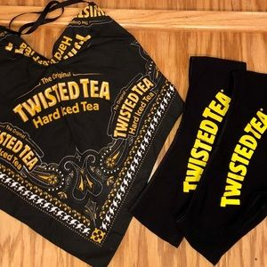 Twisted Tea bandana top with bottoms 💛🖤